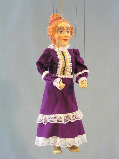 Королева Елизавета марионетка