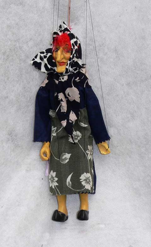Бабка Бэкки декоративная марионетка