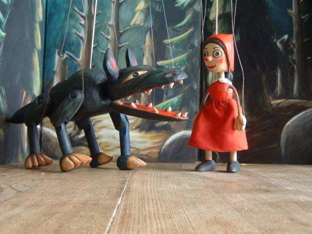 Красная шапочка и волк марионетки