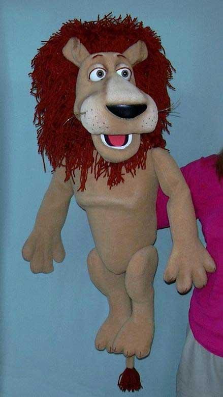 Лев Лео кукла чревовещателя