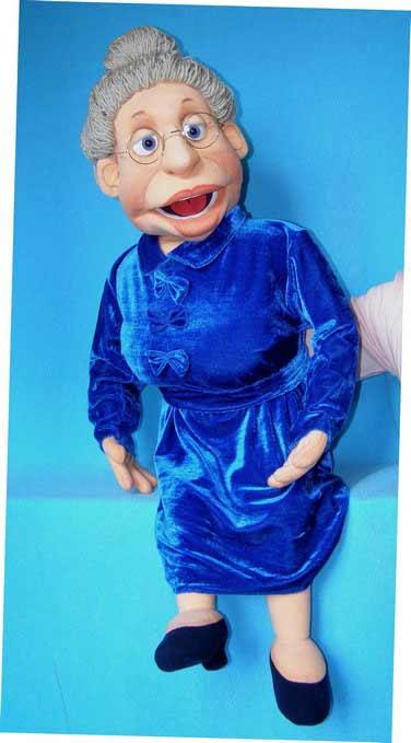 Елена кукла чревовещателя