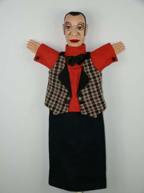 Слуга , перчаточная кукла