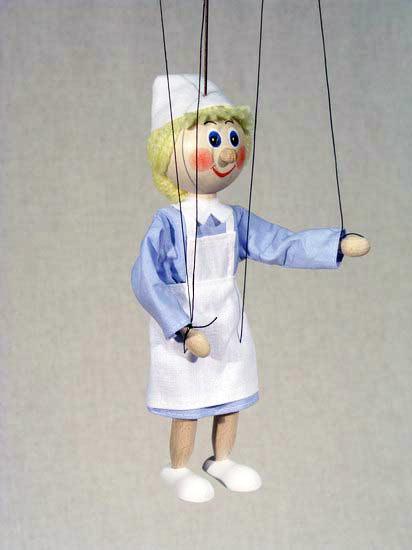 Медсестра деревянная марионетка