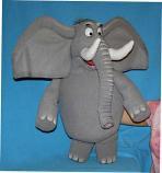 Слон, кукла чревовещателя